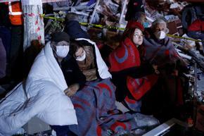 Жертвите на земетресението в Турция станаха 22