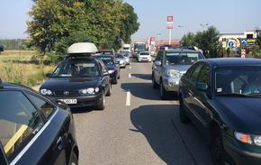Километрични опашки на изхода към Гърция след затварянето на граничните пунктове в съседни държави