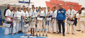 """6 златни, 6 сребърни и 5 бронзови медала за състезателите на СКК """"Киокушин"""" на турнир в Румъния"""