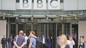Китай забрани новинарския канал на Би Би Си
