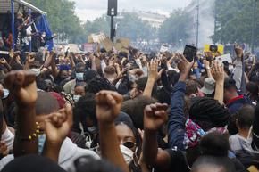 Няколко хиляди се събраха в Париж на протест срещу расизма