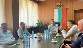 Кметът Христов разговаря с колеги за скоростния път Силистра - Лесово