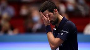 Джокович напусна турнира във Виена след странна игра и загуба от италианец