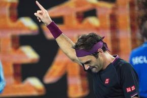Федерер се завърна победно след 14 месеца