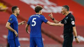 Кашлянето в лицето на съперника вече може да носи червен картон във Висшата лига