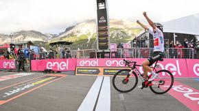 Кралският етап в Джирото донесе обрат и нов лидер в класирането