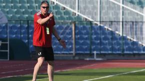 Пет дни след заявената подкрепа ЦСКА е уволнил Любослав Пенев