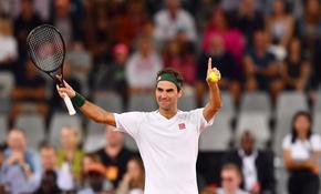 След 403 безкрайни дни извън тениса, Маестро Федерер се завръща