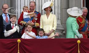 Принц Джордж вече се готви за тежестта на короната
