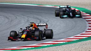 Верстапен остана недостижим и ще поведе колоната в Гран при на Щирия