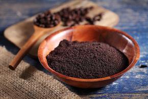 Разработиха технология за превръщане на утайка от кафе в алкохол