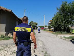 Полицията влезе на спецакция в Черноглавци и Габрица