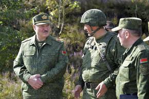 НАТО отвърна на Лукашенко: Не трупаме войски на границата с Беларус