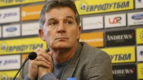 Емил Костадинов: Някои футболисти идват в националния само когато имат нужда