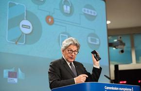 Европейската комисия предложи уредите да са единствено с USB-C порт за зарядно