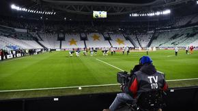Футболът в Италия ще бъде подновен след две седмици