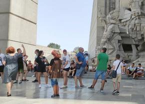 Ръст на българските туристи на Паметника