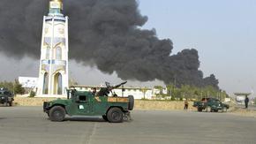 Талибаните превзеха Кандахар и още 3 града за една нощ, 3000 войници евакуират посолството на САЩ