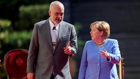"""Меркел намекна в Тирана, че общият пазар е по-важна цел от """"Отворени Балкани"""""""