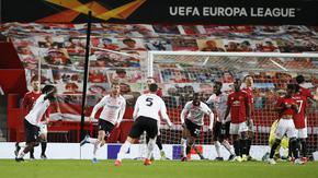 """С гол в добавеното време """"Милан"""" излезе с едни гърди напред в дуела с """"Юнайтед"""""""
