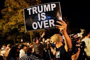 Протести и улични тържества след резултата от изборите в САЩ