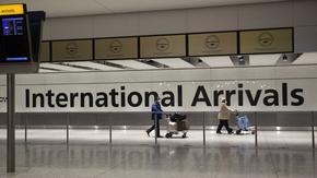 Пристигащите във Великобритания от 22 държави ще прекарват 10-дневна карантина в хотели