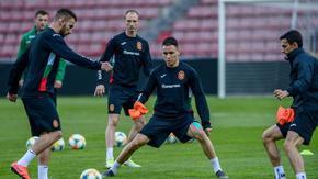 Промените в националния отбор продължават заради нов случай на заразен футболист