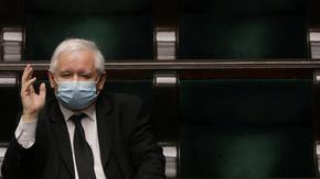 Управляващите в Полша отложиха изборите заради коронавируса