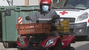 Със закон Испания направи доставчиците на храна служители, а не самонаети