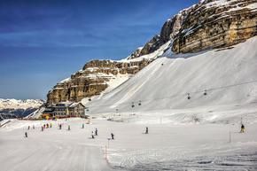 Италия отлага отварянето на ски пистите заради високия брой заразени с коронавируса