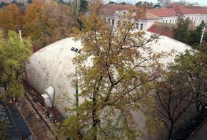 Ново в Шумен: Покриха с балон тенис кортовете