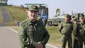 Беларус планира да купи руски оръжия за $1 млрд., включително С-400