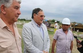 Инспектираха строежа на тренировъчното игрище до Градския стадион