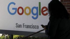 """""""Гугъл"""" и """"Епъл"""" се съюзиха, за да проследяват данни за коронавируса"""