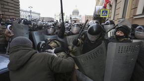 Русия задължи социалните мрежи да търсят и блокират покани за участие в протести