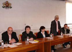 Община, граждани и медици заедно обсъждаха проблемите на преславската болница