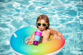 Аквапарк или море - ето нужните аксесоари за вашето дете