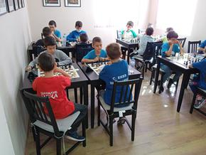 """60 деца участваха в турнира """"Шахматна есен"""""""