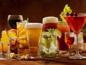 Кои алкохолни напитки трябва да избягваме в жегите?