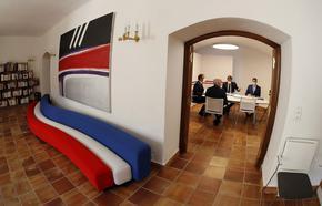 Франция привика за консултации посланиците си в САЩ и Австралия заради ядрени подводници
