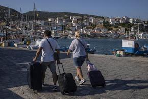 Задължителна ваксинация за някои професии започва в Гърция
