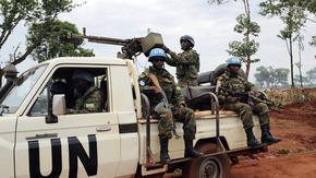 Франция обвини Русия, че нейни наемници изместват властта в африканска държава