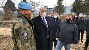 Борисов инспектира хладилник с новите ваксини в Пловдив