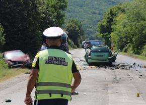 Тежка катастрофа с жертви на пътя между селата Градище и Черенча, загиналите са от Шумен