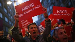 Повечето турци искат да са в ЕС и смятат САЩ за заплаха, 33% чувстват сходство с българите