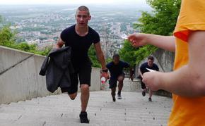 Танци, футбол и изкачване на стъпалата към Паметника в Седмицата на движението в Шумен