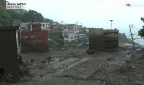 Свлачища и реки от кал събориха и заляха къщи в Япония, 113 души са в неизвестност