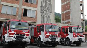 Три екипа огнеборци гасиха пожар в шуменски апартамент