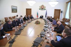 """Борисов ще опита да състави правителство. Прогнозира """"Орешарски"""" 2 за опонентите си"""