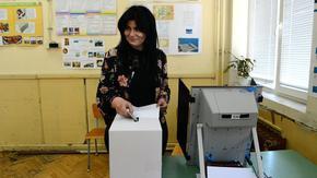 Окончателно: на следващите избори ще се гласува и с машини, и с бюлетини